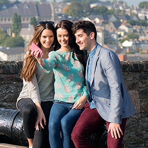 Visitors to the Walls of Derry